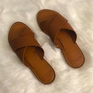 Abercrombie Leather Slide Sandals Size 7/8 Brown